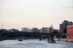 Bersenevskaya堤防和红色10月制造,莫斯科 图库摄影