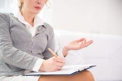 Berufspsychiater während der Therapie-Sitzung Stockfoto