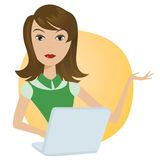 Berufstätige Frau mit Laptopbüronotebook Stockfoto