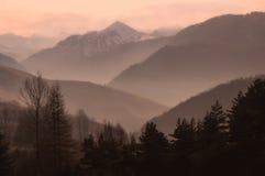 Beruhigende ruhige Berge Stockbild