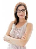 Überzeugte Frau, die stilvolle Gläser trägt Lizenzfreie Stockfotos