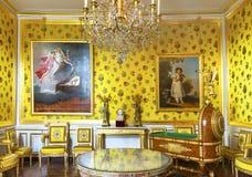 Besöka den Fontainebleau slotten royaltyfri foto
