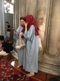 Besöka en moské Arkivbilder