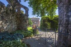 Besöka villan Litta i Lainate i landskapet av Milan i Italien Lainate på 4:30 e.m. royaltyfri foto