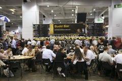 besökare för brittisk festival för öl stora Arkivbild