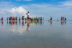 Besökare på den Sasaran stranden Selangor Fotografering för Bildbyråer