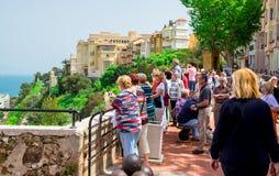 Besökare på prins slott av Monaco Royaltyfri Foto