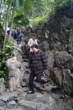 Besökare reste bergvägen Arkivfoton