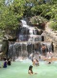 Besökare tar en mineralvatten - bada på I - tillgriper, Nha Trang, Vietnam Fotografering för Bildbyråer