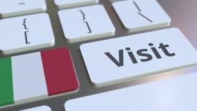 BES?Ktext och flagga av Italien p? knapparna p? datortangentbordet Begreppsm?ssig animering 3D arkivfilmer