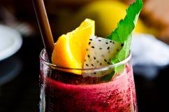 Bes smoothie en citroen Royalty-vrije Stock Afbeelding