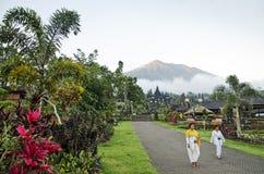 Besakih góry i świątyni agung widok w Bali Indonesia Obraz Royalty Free