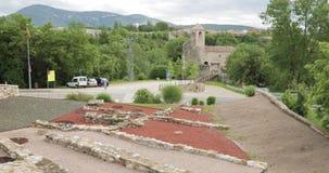 Besalu, Girona, Καταλωνία, Ισπανία Παλαιές καταστροφές των μεσαιωνικών τοίχων απόθεμα βίντεο