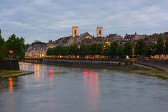 Besançon an einem Sommerabend Stockfotos