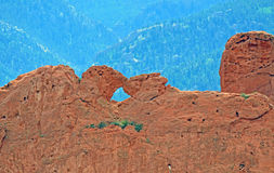 Besar camellos y rocas rojas en el jardín de la piedra arenisca de Colorado Springs de dioses Imagen de archivo libre de regalías