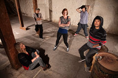 Besatzung der Hip Hop-Tänzer-Aufwartung Lizenzfreies Stockbild