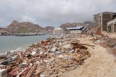 Beschädigt durch Hurrikan Odile-Marinesoldaten von Cabo San Stockfotos