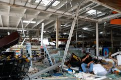 Beschädigt durch Hurrikan Odile OfficeMax in Cabo San Stockbilder