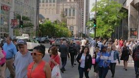 Beschäftigte Michigan-Allee in Chicago - CHICAGO, VEREINIGTE STAATEN - 11. JUNI 2019 stock footage