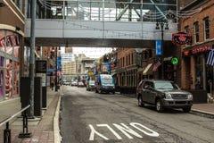 Beschäftigtes Stadt-Straßenbild Detroits Greektown Stockfotografie