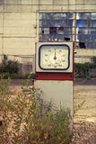 Beschadigd benzinestation Royalty-vrije Stock Foto's