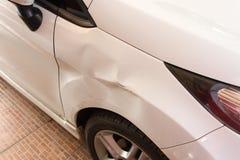 Beschadigde auto stock foto
