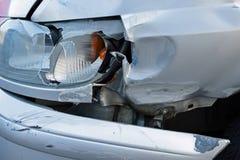 Beschadigde auto na ongeval Stock Fotografie
