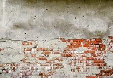 Beschadigde bakstenen muurtextuur als achtergrond Stock Afbeeldingen