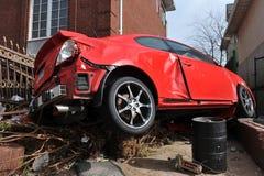 Beschadigde en verlaten auto Royalty-vrije Stock Foto's