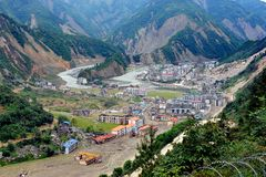 Beschadigde stad na de aardbeving in Sichuan, Kin Stock Afbeeldingen