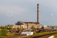 Beschadigde thermische elektrische centrale royalty-vrije stock afbeeldingen