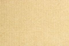 Beschaffenheit der braunen Pappe, vertikale Streifen, abstrakter Hintergrund Stockfoto