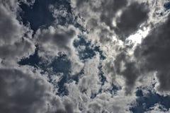 Beschaffenheit des blauen Himmels des Hintergrundes Stockfotos