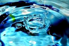 Beschaffenheit des blauen Wassers stockbilder