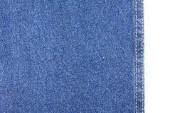 Beschaffenheit des Blue Jeans-Gewebes lokalisiert auf Weiß Lizenzfreies Stockbild