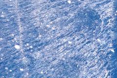 Beschaffenheit des Eises im Winter Stücke gefrorenes Wasser auf einer Straße herein Lizenzfreie Stockfotografie