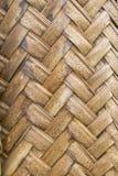 Beschaffenheit des Verwebens von braunen Palmblättern Stockbild