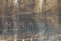 Beschaffenheit vom alten rauen Schmutz verwitterte Wand mit Sprüngen Lizenzfreies Stockfoto