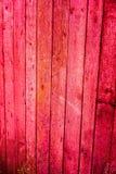 Beschaffenheit von alten hölzernen Planken mit gebrochener und geschmierter Farbe Lizenzfreies Stockfoto