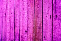 Beschaffenheit von alten hölzernen Planken mit gebrochener und geschmierter Farbe Stockbilder