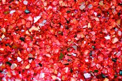 Beschaffenheit von defekten Glasstücken, roter Funkelnhintergrund der Zahlung Feiertage, Weihnachten, Valentinsgruß, lieben abstr stockfotos
