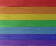 Beschaffenheit von den mehrfarbigen Brettern in den Farben des Regenbogens Lizenzfreie Stockfotos