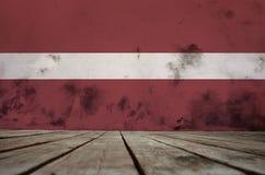 Beschaffenheit von Lettland-Flagge stockfoto