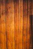 Beschaffenheit von vertikalen hölzernen Planken für Hintergrund Lizenzfreie Stockbilder