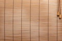 Beschaffenheits-Holz-Vorhänge genähtes Seil Identische Holzleisten, dünn stockfotos