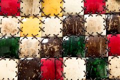 Beschaffenheitsmosaikkokosnu? Nah wird der Dekor von nat?rlichen eco Materialien gemacht Palme-Faserbarkenbeschaffenheit mit Seil lizenzfreie stockfotos