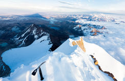Beschatten Sie Bergspitzekanten-Alpenstockwolken Huayna Tourismus Potosis, Bolivien Lizenzfreie Stockfotos