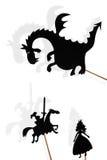 Beschatten Sie Marionetten des Drachen, der Prinzessin und des Ritters auf weißem backgroun Lizenzfreies Stockbild