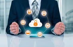 Bescherm de gegevensconcept van de wolkeninformatie Veiligheid en veiligheid van wolkengegevens Stock Foto's