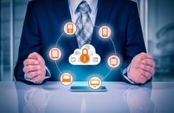 Bescherm de gegevensconcept van de wolkeninformatie Veiligheid en veiligheid van wolkengegevens Royalty-vrije Stock Foto